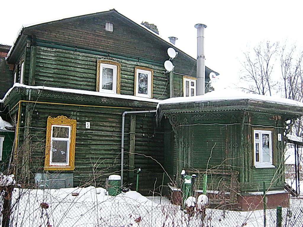 http://pics.livejournal.com/pushkino_2009/pic/000tp1sy