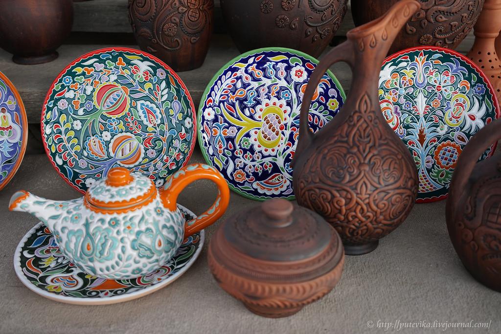 керамическая столовая посуда с восточными орнаментами