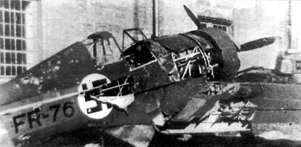 Сбитый финский самолёт.jpg