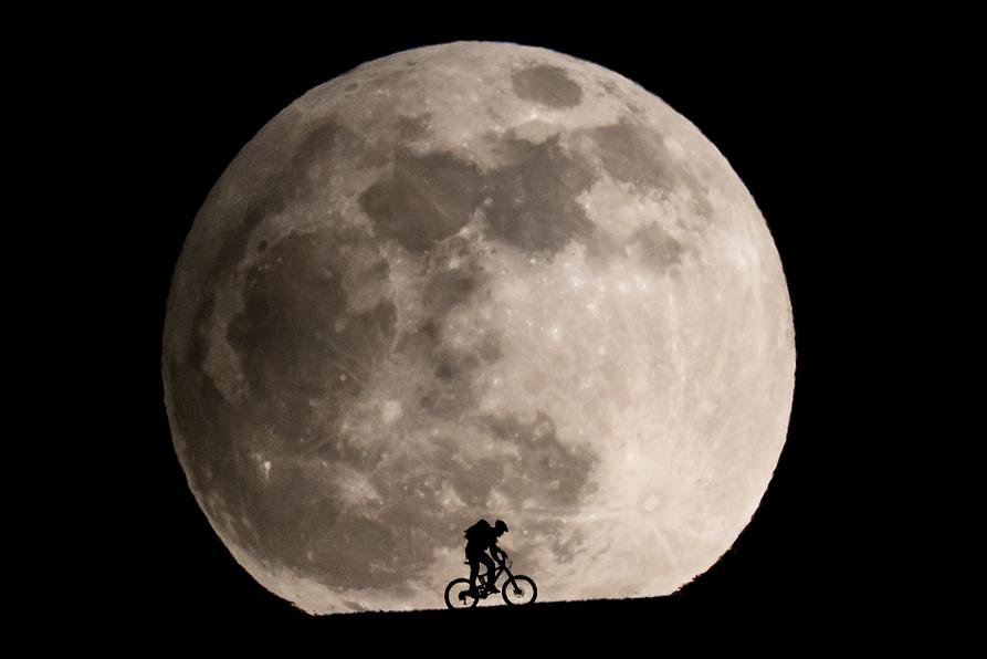 Как снять большую луну