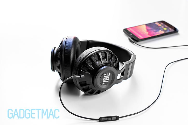 jbl_synchros_s700_headphones_black