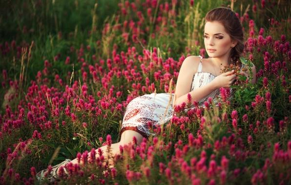 фото девушки и цветы