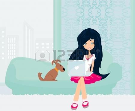 14275201-Интернет-магазин---улыбается-молодая-женщина,-сидя-с-но