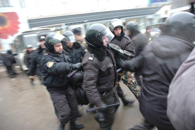 Policemen in Nizhny. Photo by NYTimes