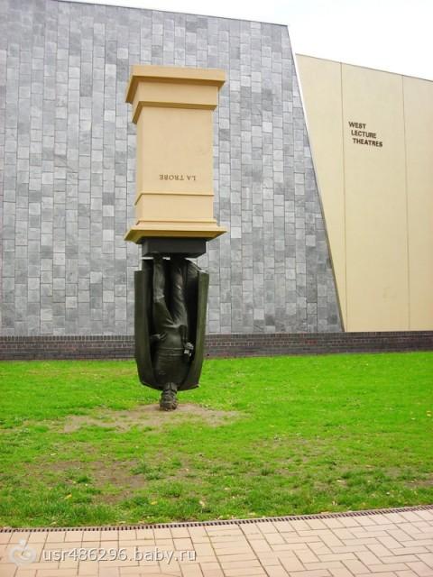 Памятник на голове, г. Мельбурн, Австралия