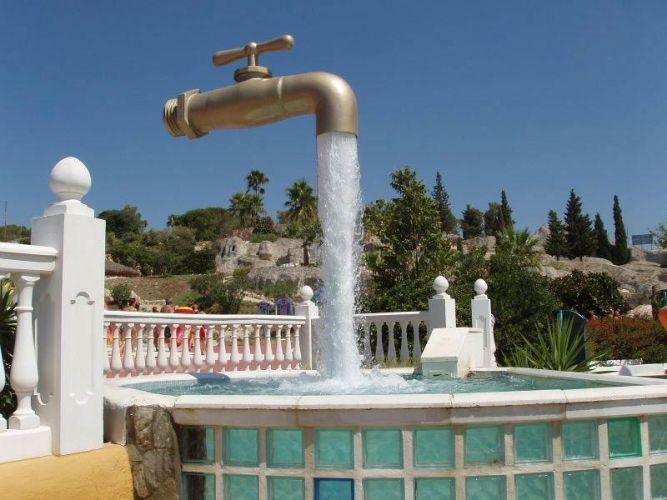 Памятник воде, г. Кадис, Испания