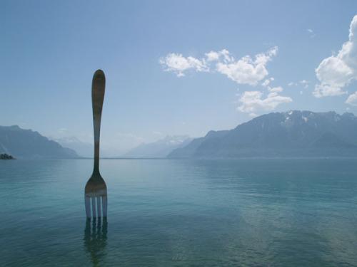Памятник вилке, г. Веве, Швейцария