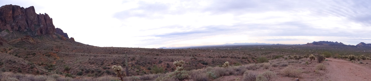 Superstition Mountains in Lost Dutchman State Park