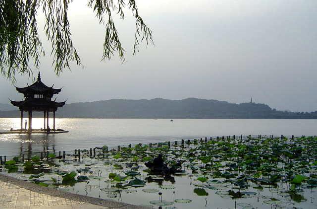 Озеро Си Ху