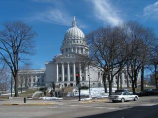 Тут заседают Сенат и Синод штата Висконсин.