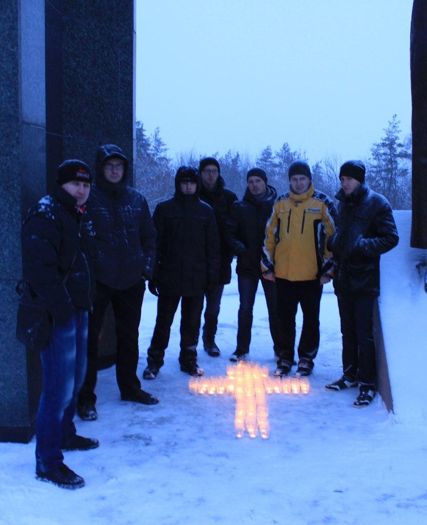 Русские националисты Уфы почтили память погибших в Волгограде и Чечне