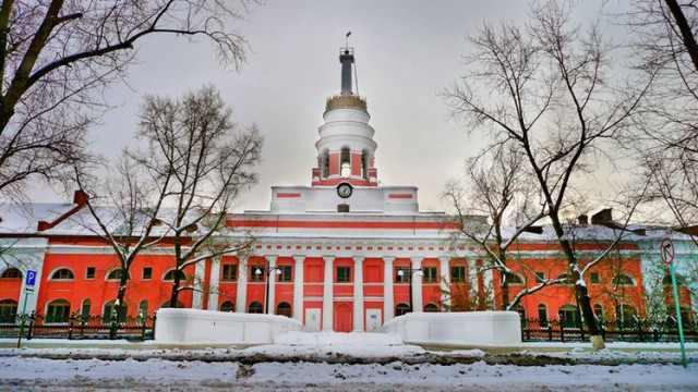 Главный корпус ижевского оружейного завода. Русские не будут изучать удмуртский