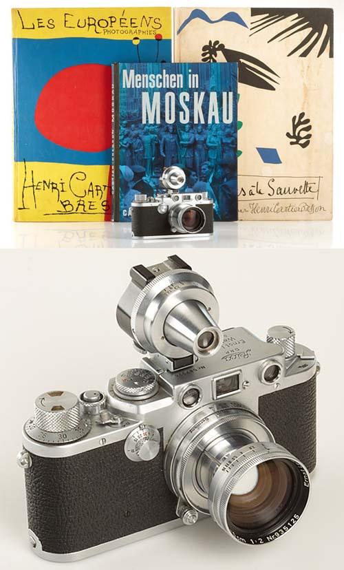 рис. 6. Leica IIIf, принадлежащая  Картье-Брессону, а так же три его книги с автографами: 1. Les Européens Photographis (1955, in French),  2. Exposures à la Sauvette (1952) 3. Menschen in Moskau (German, 1955) на одном из аукционов.