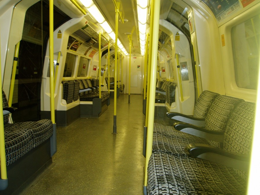 Empty_train_car