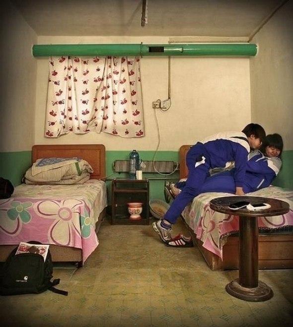 v-kitajskom-gostinichnom-nomere-foto_37686_s__2