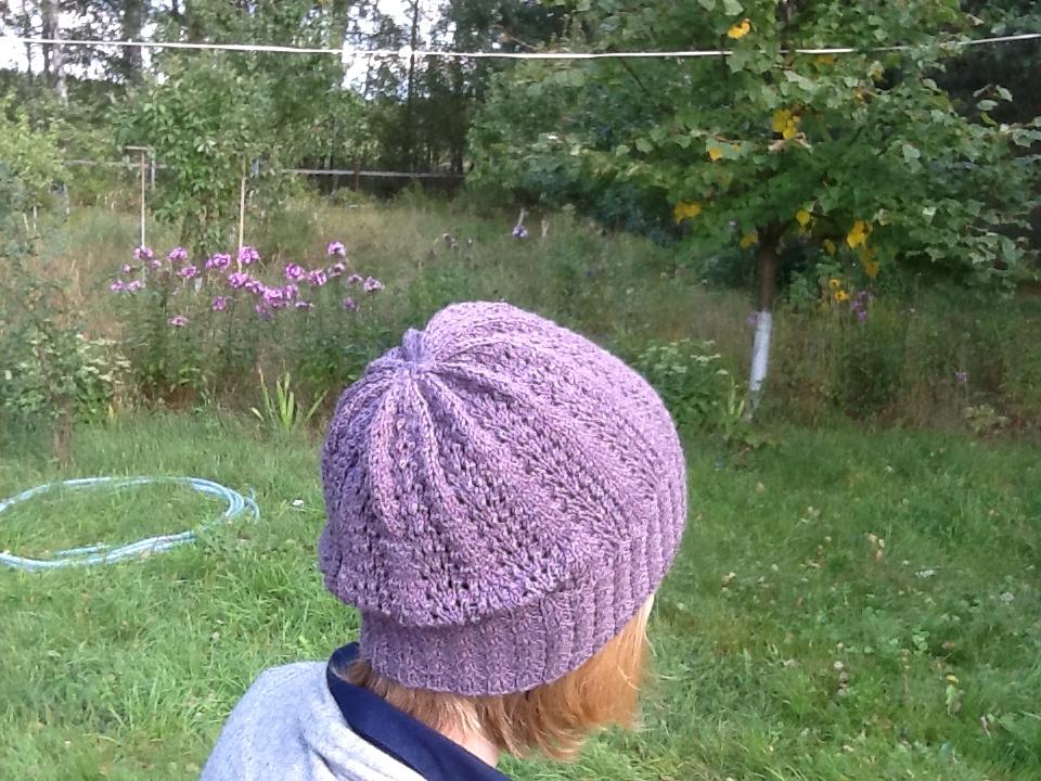 Мусс шапка на голове