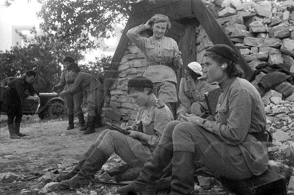У войны не женское лицо. Воспоминания женщин-ветеранов. 3