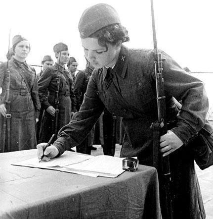У войны не женское лицо. Воспоминания женщин-ветеранов. 19