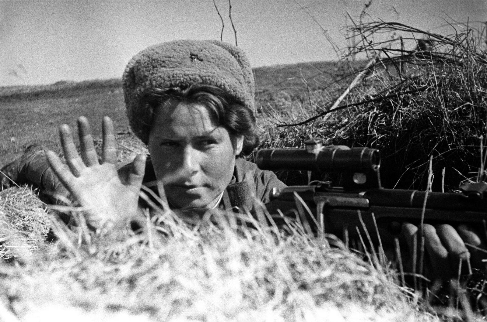 У войны не женское лицо. Воспоминания женщин-ветеранов. 15