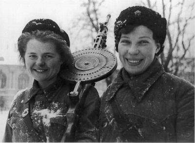 У войны не женское лицо. Воспоминания женщин-ветеранов. 28