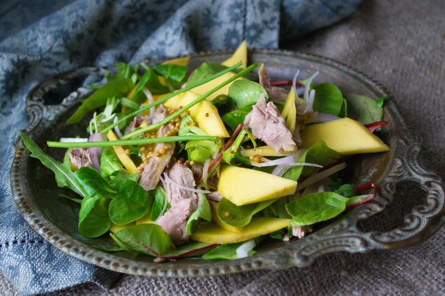 салат с уткой и манго