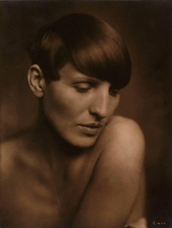 Frieda-Riess_Renee-Sintenis-sculptor-germany_1925