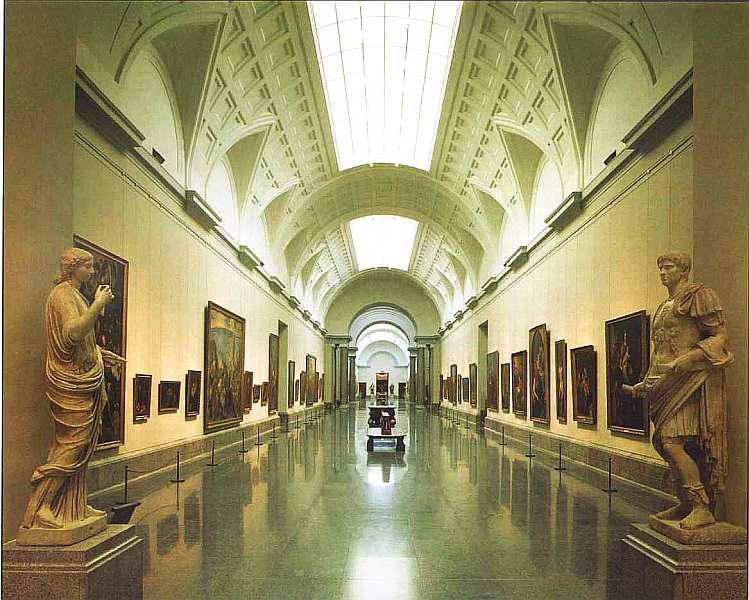 5-Интерьер музея Прадо.jpg