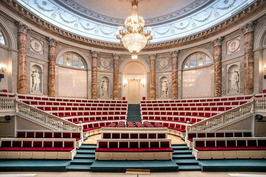 Зал Эрмитажного театра 2.jpg