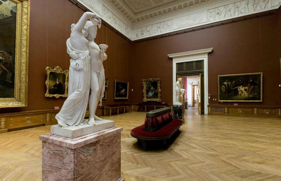Русский музей - Санкт-Петербург - 14 зал (картины Брюллова и Айвазовского).jpg