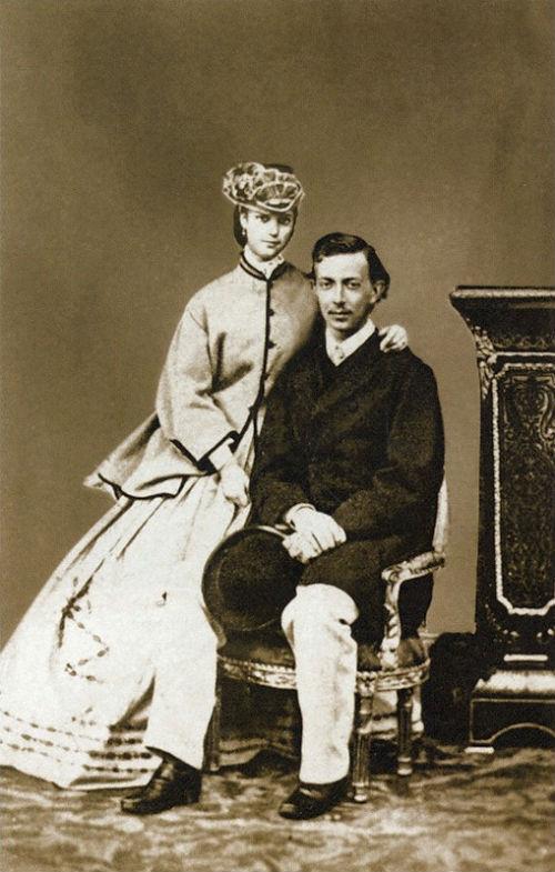 Наследник цесаревич Николай Александрович с невестой принцессой Дагмар 1865.jpg