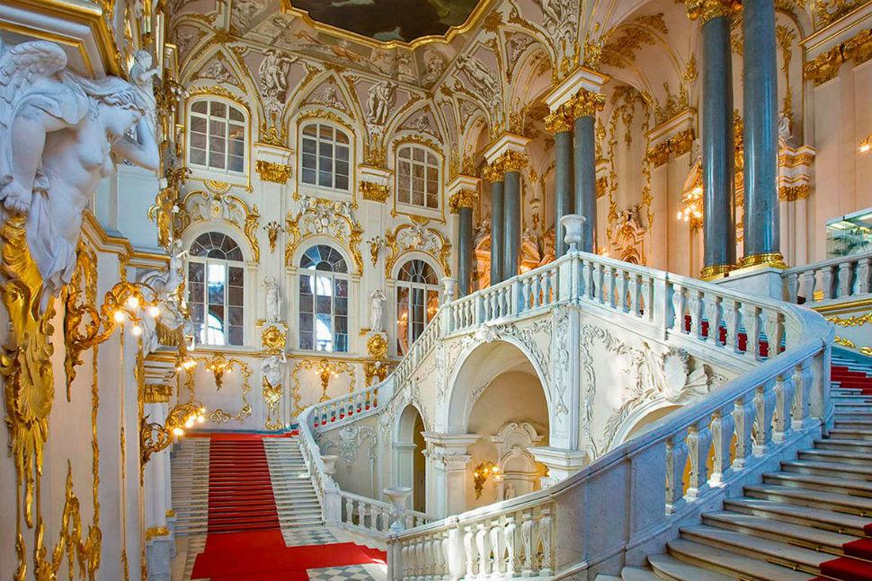 Посольская (или Иорданская) лестница в Зимнем дворце.jpg