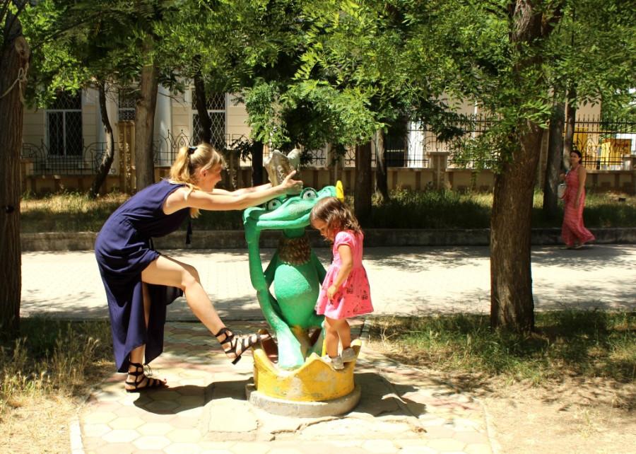 царевна лягушка и лягушка))