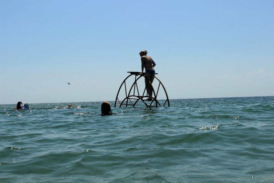 мать и морское колесо