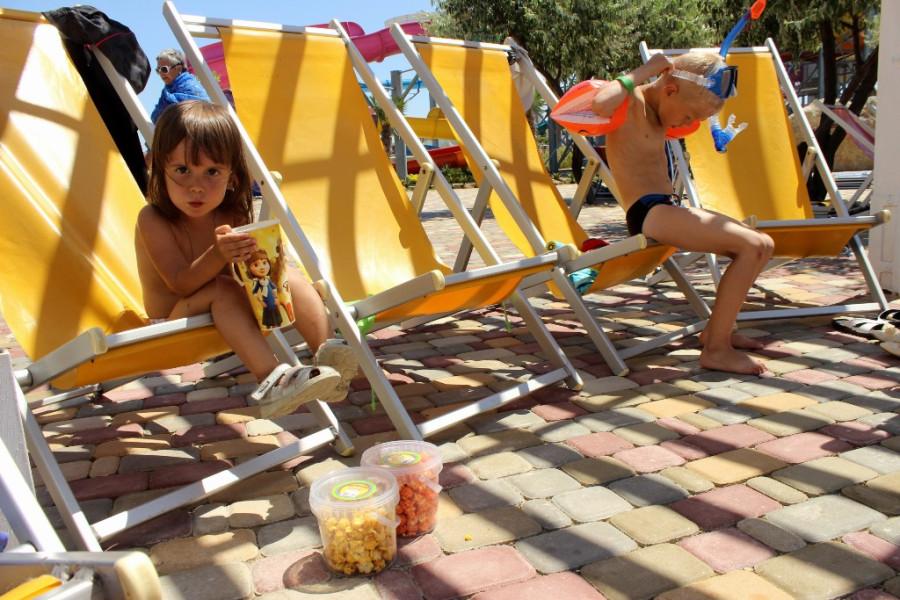 в аквапарке-Саша и Дима