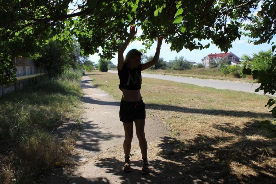 нина и деревце