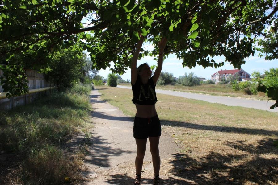 нина и деревце)