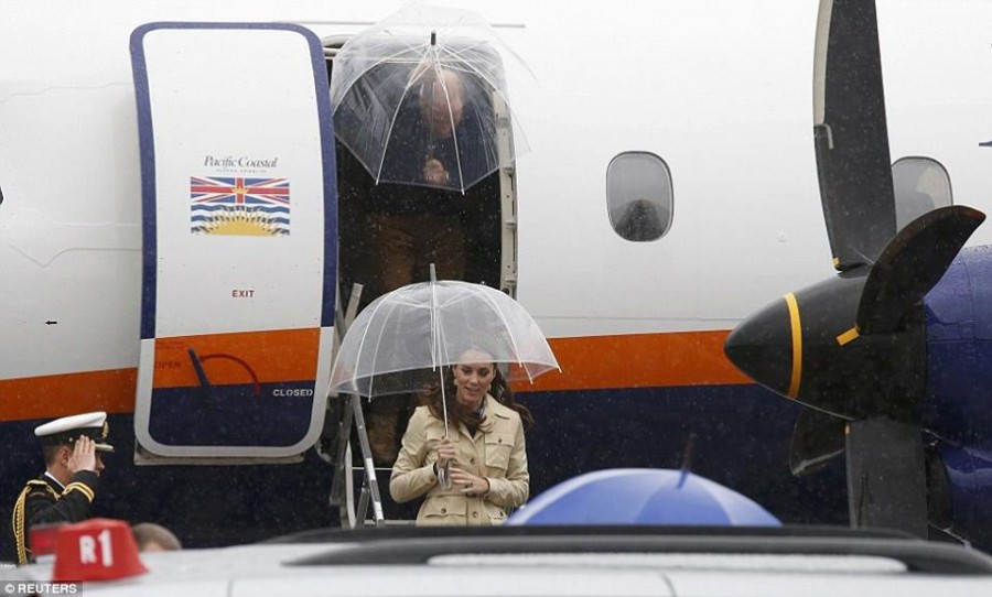 герцогиня и зонт - канада