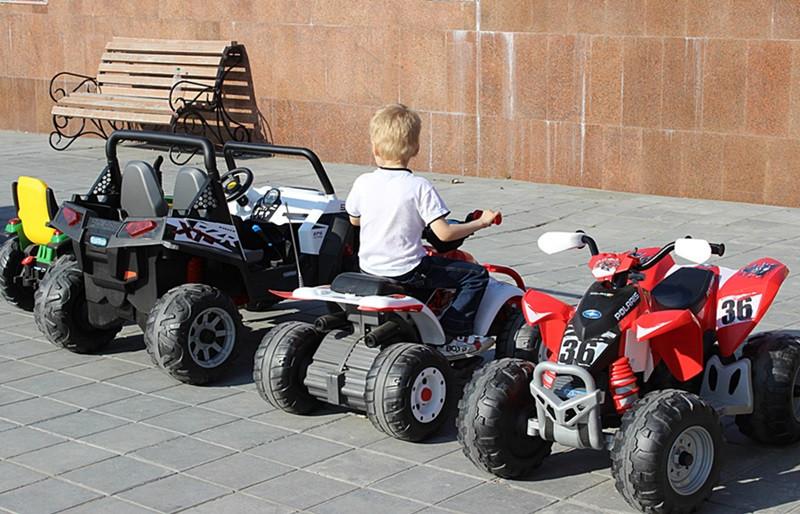 Дима на авто-3)