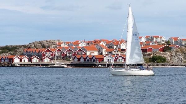 Skärhamn village.jpg