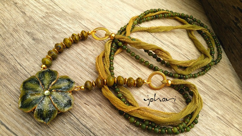 Green moss collection by Yohari - a necklace with jade and czech glass beads