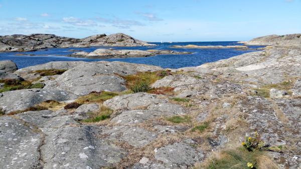 Björholmen rocks.jpg