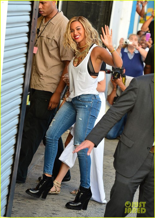 beyonce-coney-island-cyclone-rider-for-music-video-shoot-03