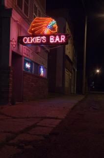 Olkie's Bar - Cool Neon