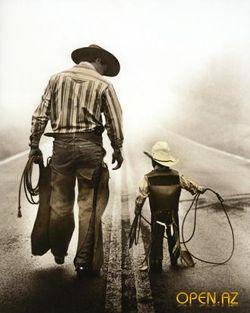сын с отцом снял блядей