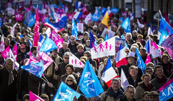 В Париже прошла акция против однополых браков.
