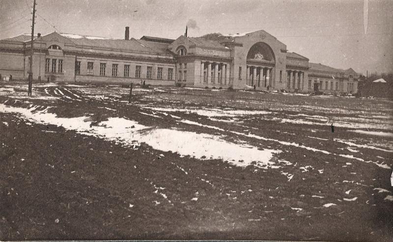 Энергофак Института со стороны стадиона