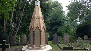 130929011319_monument_304x171_bbc