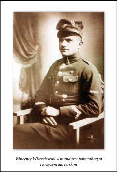 Винценты Вежеевский в повстанческом мундире с крестом скаута.
