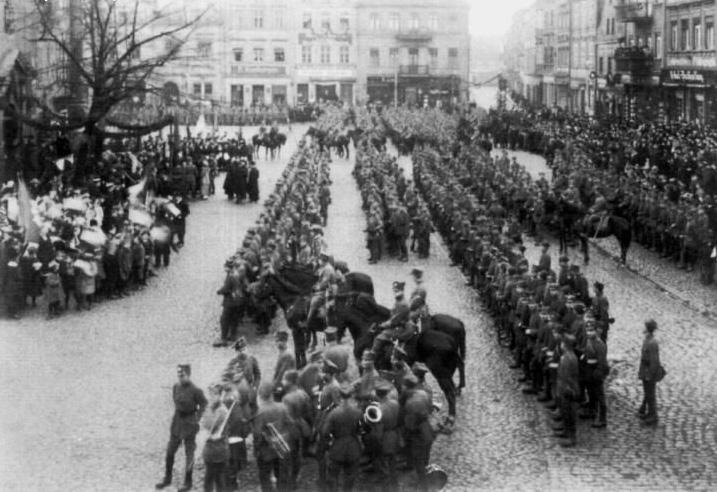 Парад в Лешно