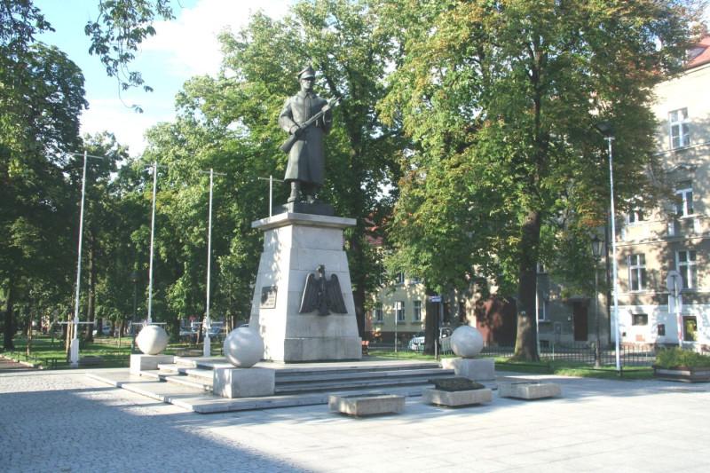 Памятник великопольским повстанцам в Равиче (фото P. Anders)
